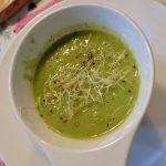 Soepje met tuinbonen en spinazie